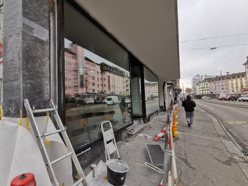 Ersatz Schaufensterfront und Umbau Gewerbefläche Erdgeschoss, Zürich